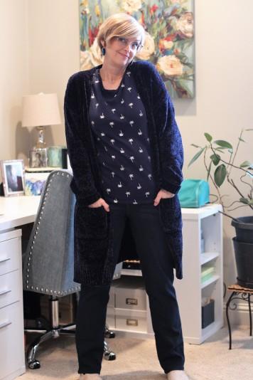 Dark blue sweater & Dark Wash Jeans